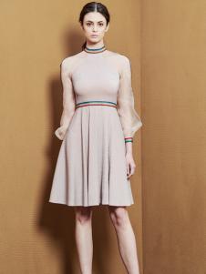 YOUG X女装粉色纱袖连衣裙