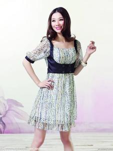 米摩女装碎花甜美连衣裙