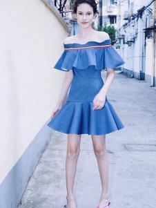 YOUG X女装蓝色一字肩连衣裙