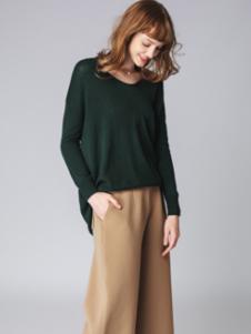 泉姿女装墨绿色宽松针织衫