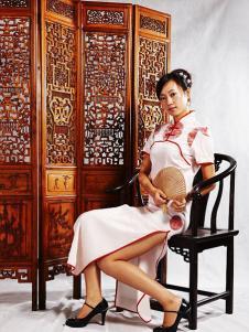 张秋儿女装白色短袖长款旗袍