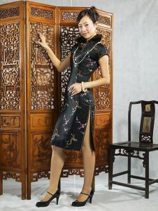 张秋儿女装黑色印花旗袍