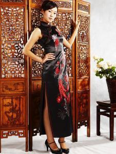 张秋儿女装黑色刺绣斜襟旗袍