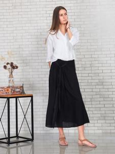 英吉蘭依女裝黑色系帶半身裙