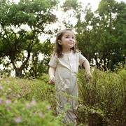 本色棉童装为你打造一个更精彩的童年!