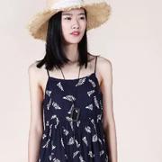 原创设计师ZOLLE因为女装|会呼吸的温柔,来自一波碎花元素单品