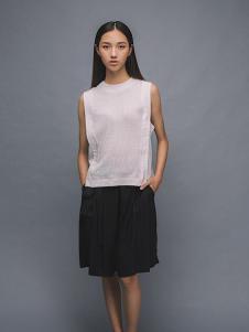 MAISON MAI 女装白色无袖T恤