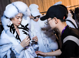 """第二十一届""""真皮标志杯""""中国国际皮革裘皮时装设计大赛决赛海宁举行"""