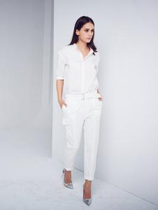 D+女装白色休闲套装