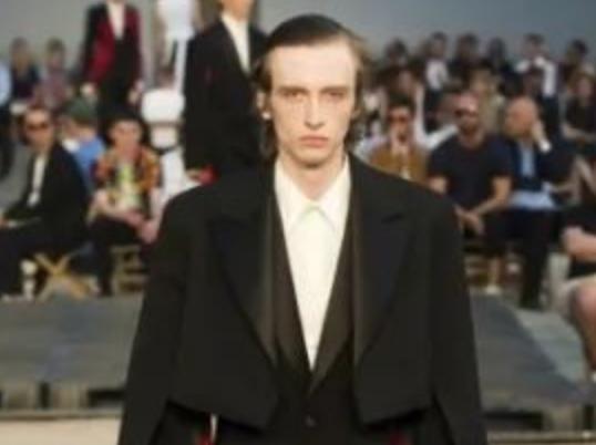 【巴黎时装周】Alexander McQueen 2019年春夏男装系列