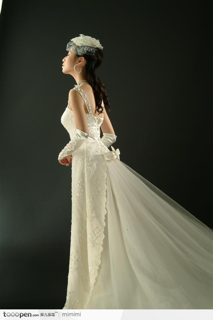 时尚唯美女式婚纱租赁婚纱供应
