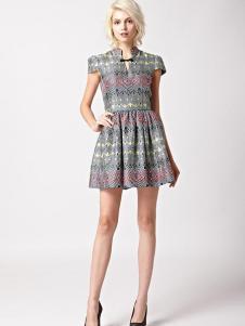 7CRASH女装图腾印花连衣裙