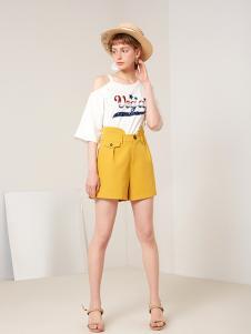 蓝色倾情女装黄色休闲热裤