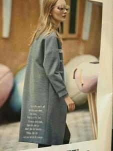 媛漫女装灰色字母大衣