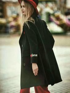 媛漫女装黑色字母刺绣大衣