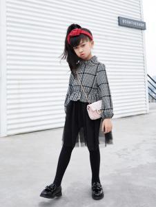 玛玛米雅新款女童卫衣