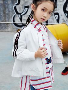 玛玛米雅新款白色外套