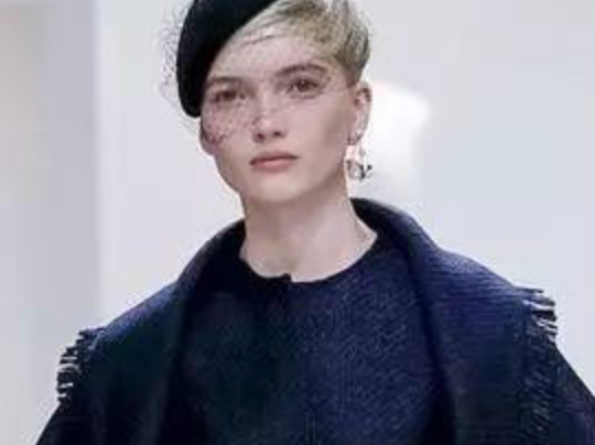 迪奥Dior 2018秋冬高级定制大秀,浪漫的法式优雅!