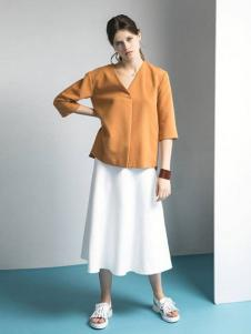 诗怡女装黄色V领五分袖针织衫
