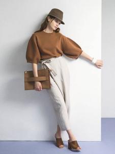 诗怡女装棕色五分袖针织衫