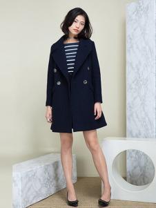 相对纶女装藏青双排扣大衣