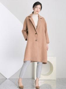 相对纶女装卡其单排扣大衣