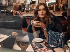 MK借着更换新摄影师,索性考虑起了品牌革新