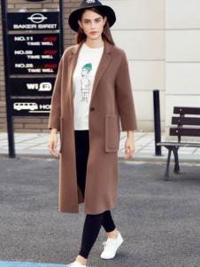 灿墨女装棕色大口袋大衣