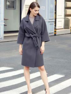 灿墨女装灰色系带大衣