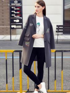 灿墨女装灰色时尚大衣