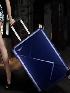 探路骆驼皮具深蓝色行李箱