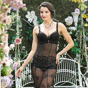 时尚内衣品牌招商加盟就选曲塑内衣