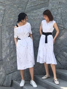 沐紫格女装白色修身时尚连衣裙