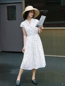 漞渡女装白色波点连衣裙