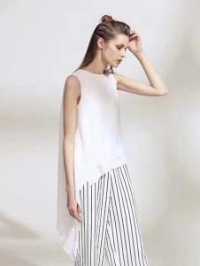 彩知丽女装白色无袖上衣