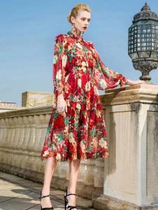 彩知丽女装红色印花连衣裙