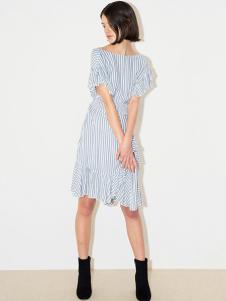 snidel女装蓝白条纹不对称连衣裙