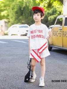 BOMBDEER童装白色字母T恤