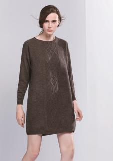 匹润女装深咖色长款针织衫