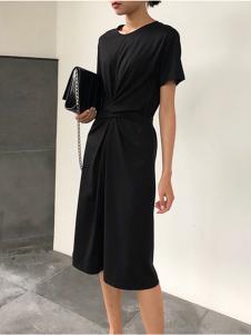 衣甸女装黑色收腰连衣裙