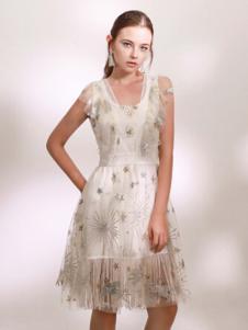Ruby Fang女装白色薄纱星星连衣裙