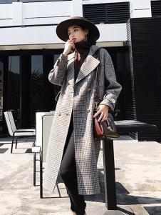 法澜娇人女装灰色格子大衣