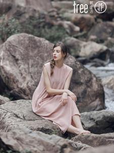 树生活女装粉色无袖连衣裙