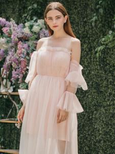 Ruby Fang女装粉红色一字领露肩连衣裙