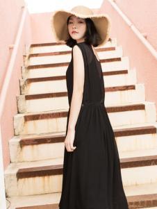 LIULIU MO刘刘墨气质优雅连衣裙