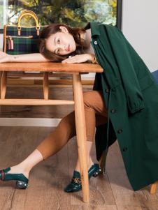 布根香女装18绿色风衣外套