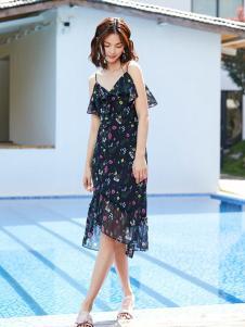 Double Love女装黑色印花吊带连衣裙