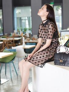 Double Love女装黑色网纱星星连衣裙