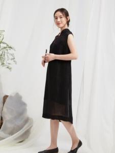 闲着女装黑色无袖连衣裙