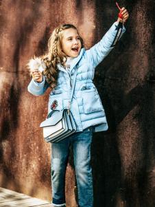 暇步士新款女童羽绒服